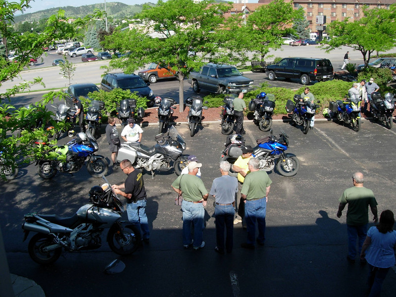 We had this whole parking lot on one side of the motel for bikes only...great stuff. The mods were most interesting, and the next Rally I attend, i'll try to write it all down.
