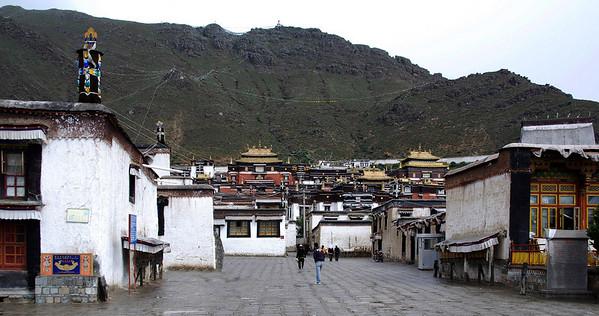 Day 08 - Tashilumpo Gompa, shopping in Shigatse