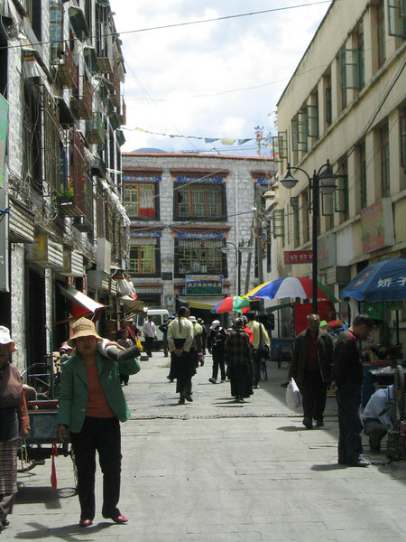 Alleys of old (meaning non-Chinese)Lhasa .