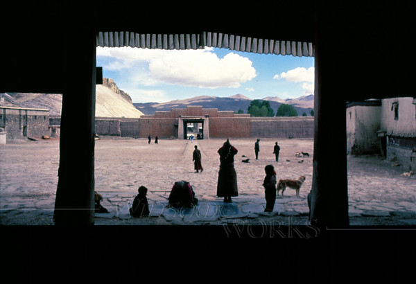 Pilgrims at Gyantse Monastery in the Nyangchu River Valley