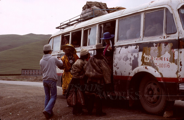 A Tibetan bus at one of the stops... not long after our first glimpses of Tibet