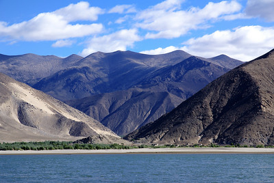 Mountains, small village on north shore of Yarlung.