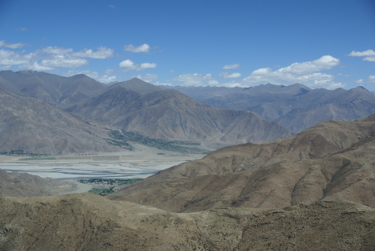 Yarlung Valley. The valley is narrow, leaving little land for cultivation.