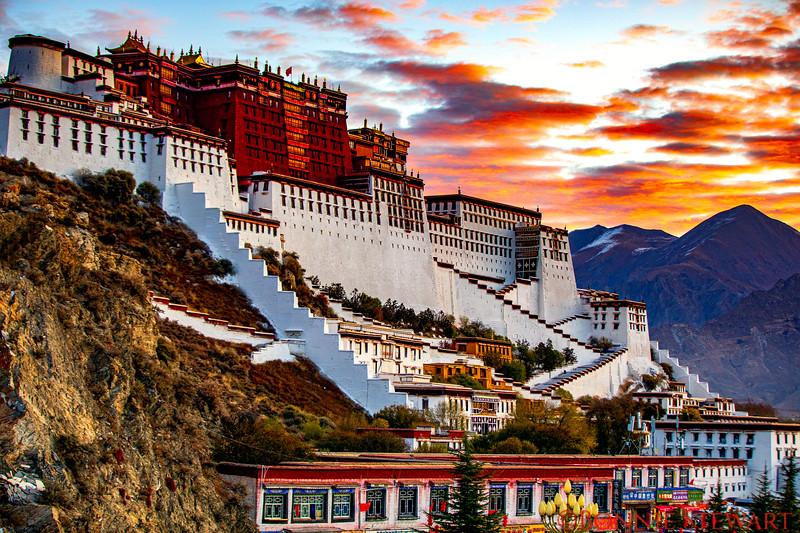 Portola Palace in Lhasa at sunrise