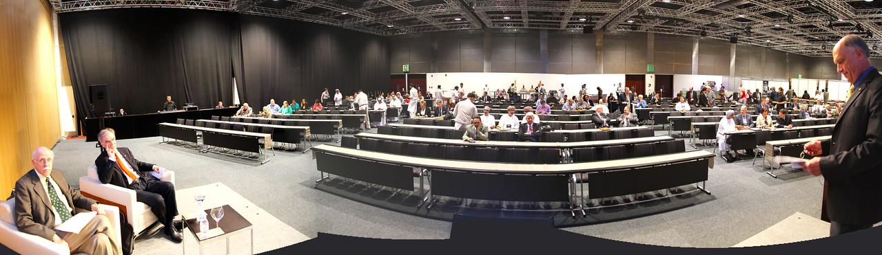 Thom Hodgson and Kaspar Willam ready for the panel discussion.  Panorama view of the gathering audience