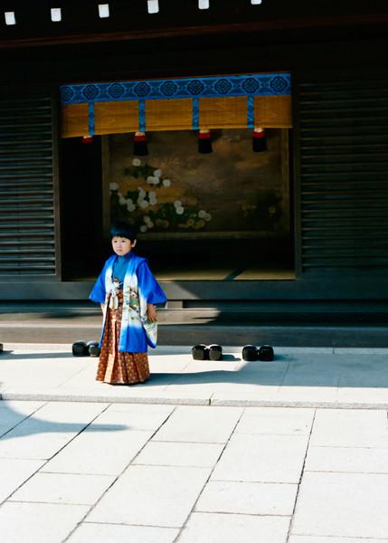 Temple Day, Tokyo 1985<br /> Bronica SQA, Kodacolor VR100