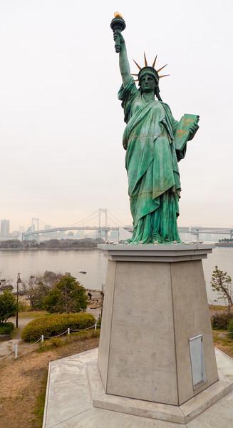 Statue of Liberty and Rainbow Bridge - Tokyo, Japan