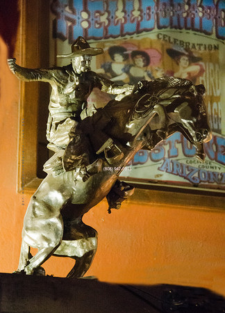 Horse cowboy statue Tombstone5853