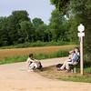uitrusten na de wandeling aan het kruis des aisements in Torgny