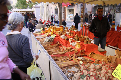 Crafts for sale in the market