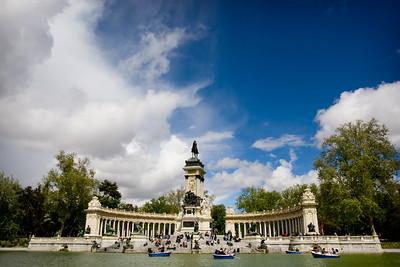 MADRID - Parque Del Retiro - Monument of Alfonso XII