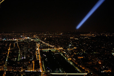 Night view from the Eiffel with the search light.