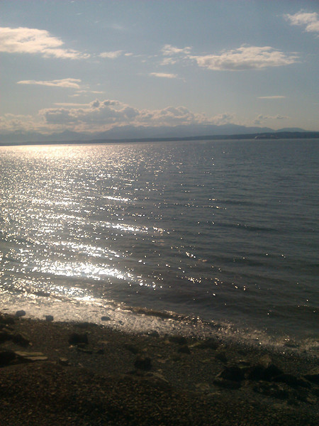 The Empire Builder is stopped by mechanical difficulties before even leaving Seattle. But at least there's a nice view.