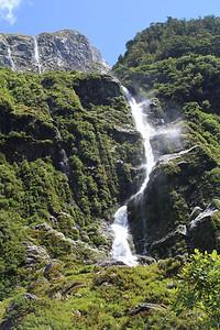 St. Quintin Falls, 230 meters