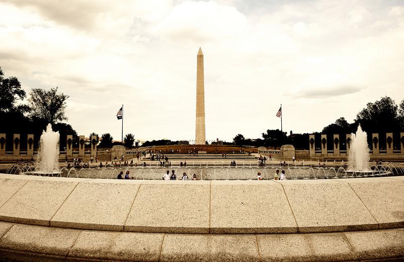 World War II Memorial and Washington Memorial: Washington D.C.