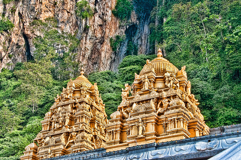 "<a href=""http://en.wikipedia.org/wiki/Batu_Caves""onclick=""window.open(this.href,  null, 'height=537, width=780, toolbar=0, location=0, status=1, scrollbars=1, resizable=1'); return false"">Batu Caves</a>, Kuala Lumpur, Malaysia."