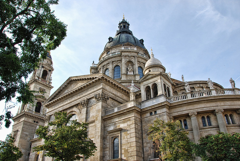 """<a href=""""http://www.lonelyplanet.com/hungary/budapest""""onclick=""""window.open(this.href,  null, 'height=537, width=780, toolbar=0, location=0, status=1, scrollbars=1, resizable=1'); return false""""> Budapest</a>, Hungary."""