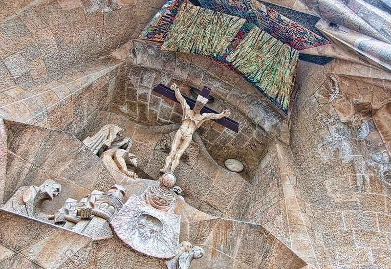 "<a href=""http://www.sagradafamilia.cat/""onclick=""window.open(this.href,  null, 'height=537, width=780, toolbar=0, location=0, status=1, scrollbars=1, resizable=1'); return false"">Sagrada Família</a>, <a href=""http://en.wikipedia.org/wiki/Barcelona""onclick=""window.open(this.href,  null, 'height=537, width=780, toolbar=0, location=0, status=1, scrollbars=1, resizable=1'); return false"">Barcelona</a>, Spain."