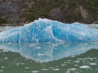A little tiney iceberg Copyright 2009 Neil Stahl