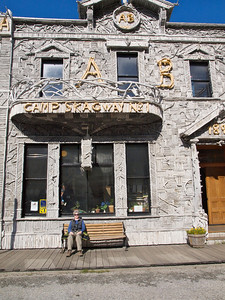 Arctic Brotherhood Hall Erected 1899; driftwood facade Fraternal organization of gold seekers Copyright 2009 Neil Stahl