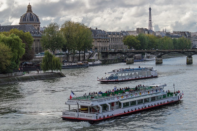 Tourboats on the Seine