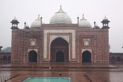 Mosque on side of Taj Mahal