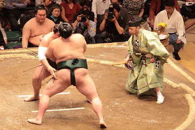 Yokozuna Hakuho looking on, at the May 2016 Grand Sumo Tournament in Tokyo.
