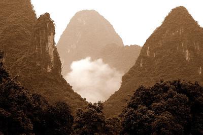 Mountains along Li River near Guilin 10