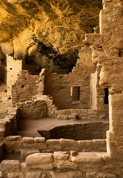 Ancient ruins American Indian cliff dwellings. Mesa Verde, Co.