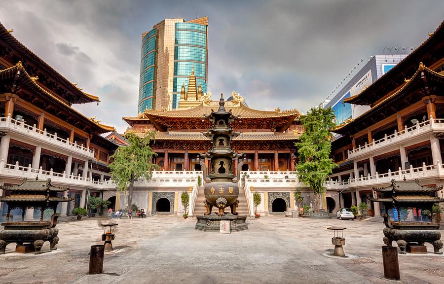 Jing'an Temple Courtyard Shanghai China
