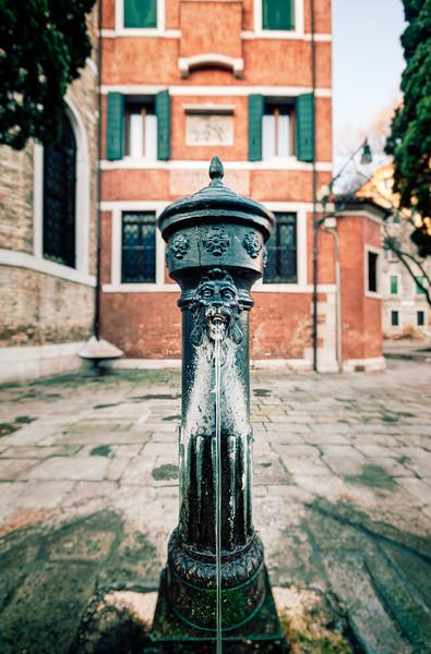 Venetian Water Fountain