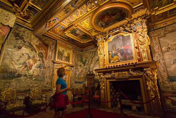 The interior is quite spectacular, covered in gold edges, tapestries and other art.