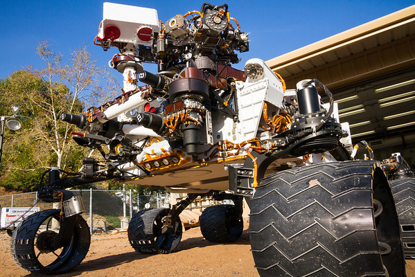 NASA's MSL Engineering Model rolls out at the Mars Yard.