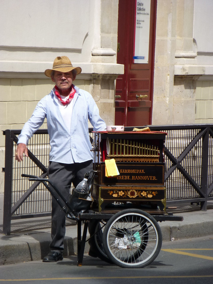 Paris Street Music