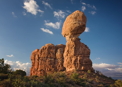 Balanced Rock.  Arches NP