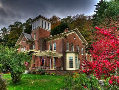 Cook Mansion, a 19th Century Inn