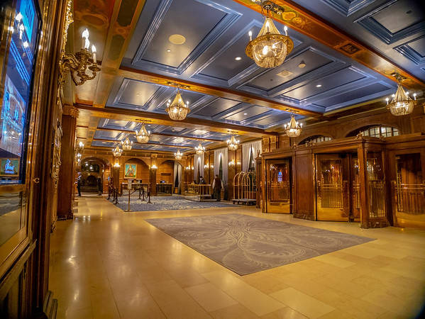 Chateaux Frontnac lobby