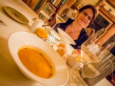 Fall the season of pumpkin and ... Pumkin Soup :)