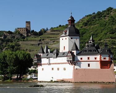Pfalz Castle 02
