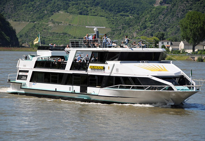 Rhine River tour boat 02