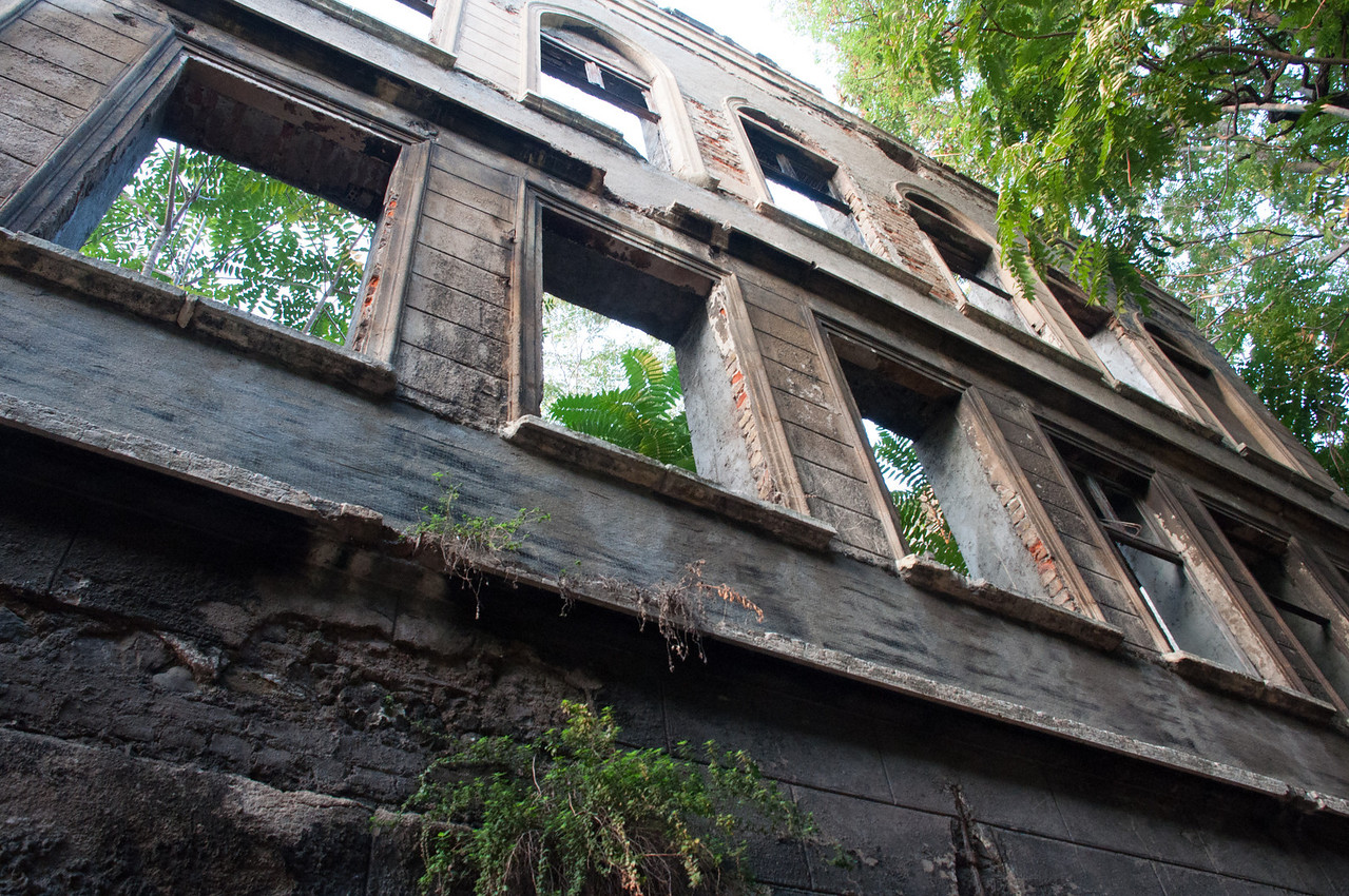 Orhan Pamuk talks of mansions left over from the days of the Sultans that have been neglected, damaged, burned, squatted in, torn down. He talks of signs of decay everywhere in the Istanbul of his childhood.