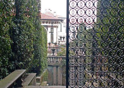 toward the palace gardens