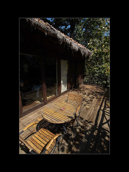 09: Outer deck | Treehouse Hideaway, Bandhavgarh 28 February 2010 NIKON D90; 12-24 mm f/4; Pattern; 1/200 sec at f/18; ISO-500;