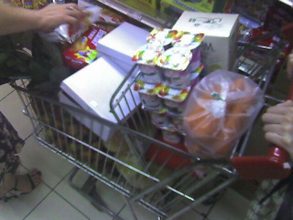 belanjaan....kebanyakan buah!!!