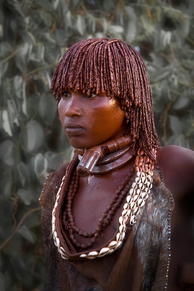 Hamar woman with first wife neckpiece