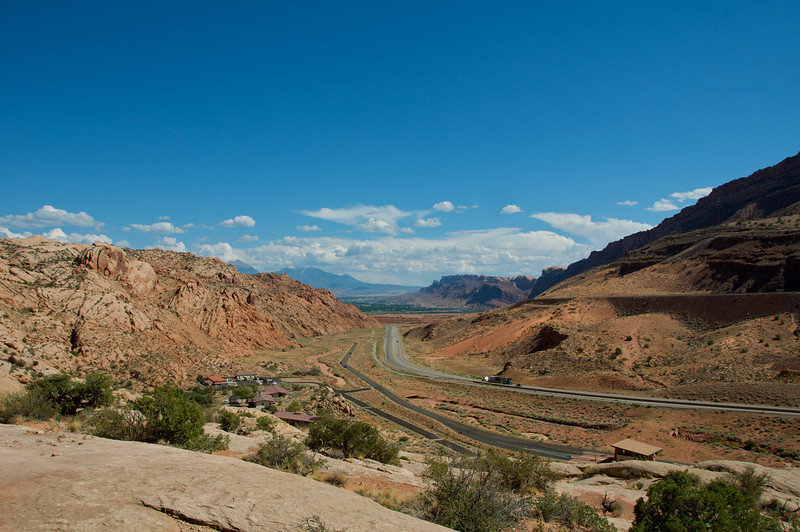 Looking south towards Moab from the Arches National Park entrance road