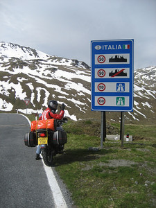 Into Italy close to the top of the Stelvio