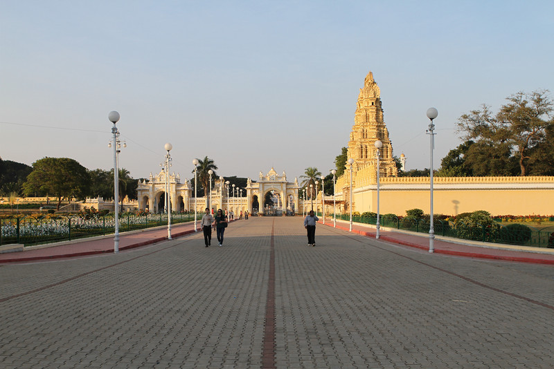 Mysore Palace walkway and Sri Bhuvaneswara Temple or <br /> Trineshwara Devasthanam