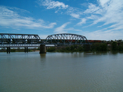 The Murray River (River Murray in South Australia) is Australia's longest river. At 2,995 kilometres (1,861 mi) in length