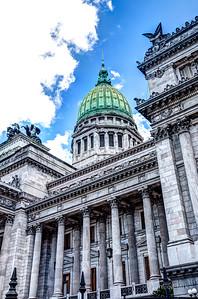 The imposing facade of Palacio del Congreso de la Nacion